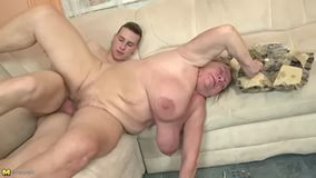 Онлайн russian mature fucking young boy